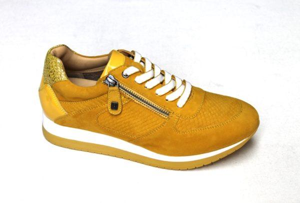 H008 Helioform sneaker in okergeel nubuck