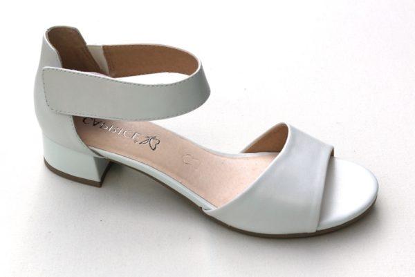 C021 Caprice sandaaltje met dichte hiel wit parelmoer leer