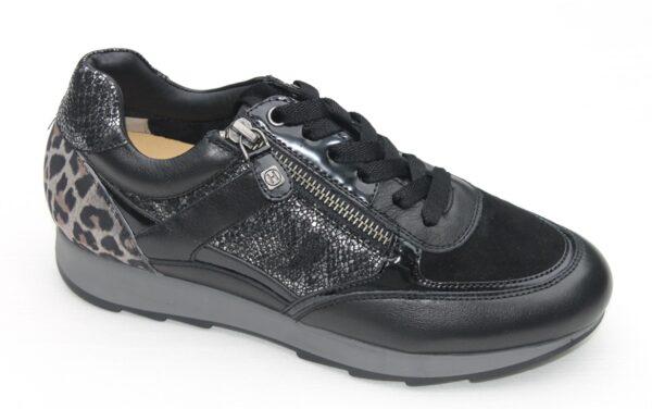 Helioform sneaker zwart met tijgerprint
